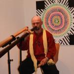Märchenstunde umrahmt von archaischen Didgeridoo-Klängen